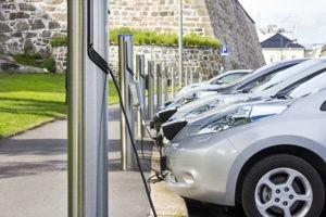 Park- und Lademöglichkeiten für E-Fahrzeuge